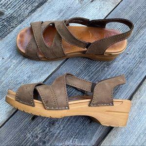Dansko Light Brown Crisscross Slingback Clog Sandals